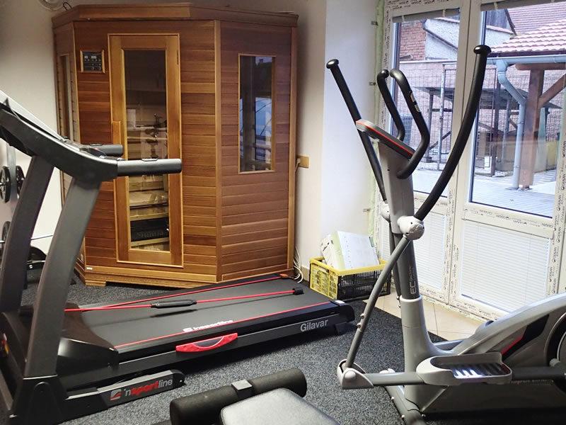 Fitness a infrasauna pro naše hosty